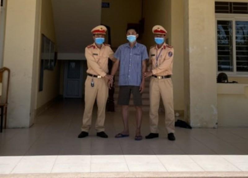 Phát hiện tài xế xe tải biển Lào dương tính với ma túy