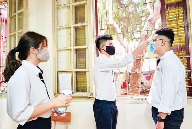 Hà Nội thêm 2 ca dương tính mới tại cộng đồng, Chủ tịch Thành phố kiểm tra các điểm thi