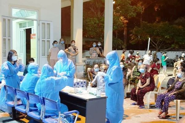 Nghệ An: Triển khai lấy 60.000 mẫu xét nghiệm Covid-19 bằng kỹ thuật PCR