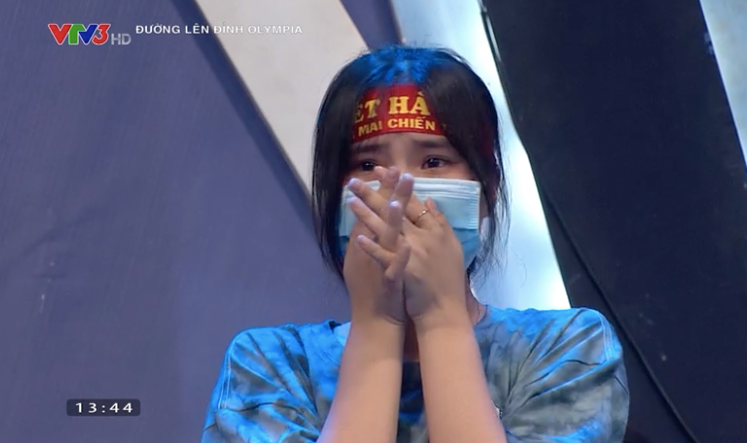 MC Diệp Chi động viên nam sinh đồng hương khivuột mất tấm vé chung kết năm Olympia đầy tiếc nuối