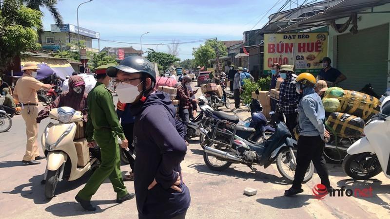 TP Vinh,chốt phong tỏa,nắng nóng,Cảnh sát giao thông,Nghệ An,Covid-19