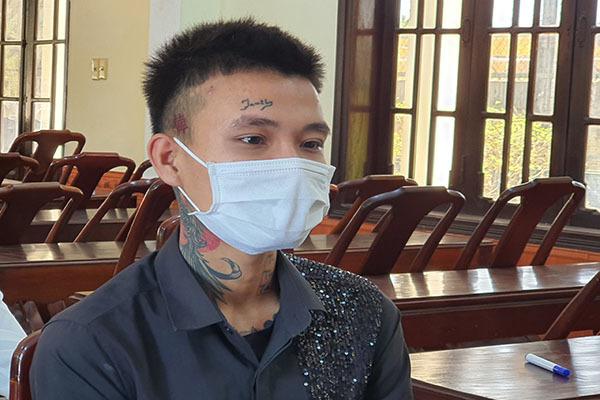 Huế: Nghĩ bị 'nhìn đểu', nhóm thanh niên xăm trổ đánh người trọng thương phải nhập viện