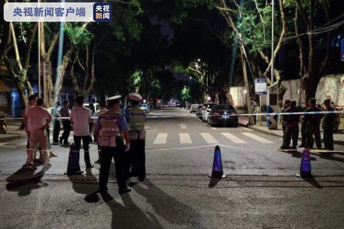 Cảnh sát Trung Quốc tiêu diệt đối tượng dọa đánh bom sau 16 tiếng cố thủ trong nhà