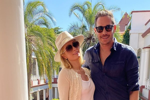 Chán việc quay cuồng kiếm tiền làm tỷ phú, tiểu thư Paris Hilton ao ước được làm mẹ ở tuổi 40