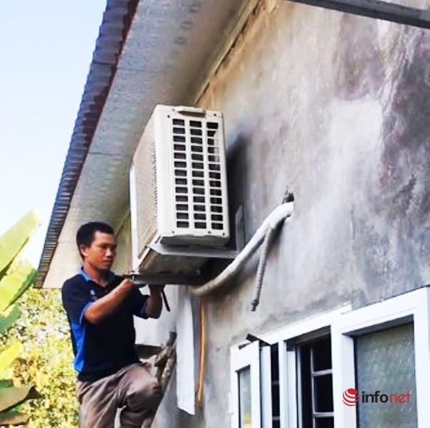 Tất bật mỗi ngày nhận ngay tiền triệu, thợ lắp điều hòa vẫn 'oải' vì nắng