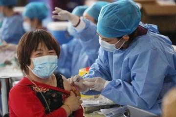 Trung Quốc làm gì để khuyến khích người dân tiêm mũi thứ 2 vắc-xin Covid-19?