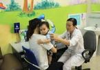 Bỏ lỡ tiêm chủng nhiều loại vắc xin cho trẻ, lo ngại nguy cơ 'dịch chồng dịch'