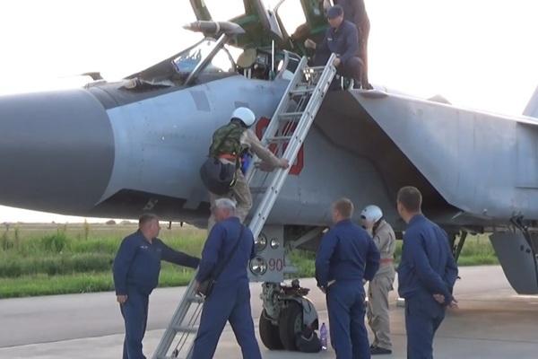Nga lần đầu điều tiêm kích MiG-31K mang 'siêu tên lửa' Kinzhal tới Syria