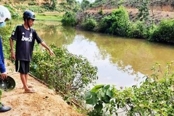 Nghệ An: Ngã xe xuống đập nước, 2 mẹ con đuối nước thương tâm