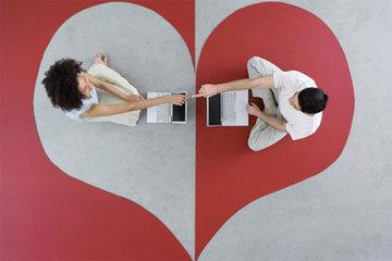 """Yêu nhau thắm thiết qua mạng 1 năm,chàng trai quyết định """"sốc"""" ngay lần đầu gặp mặt"""
