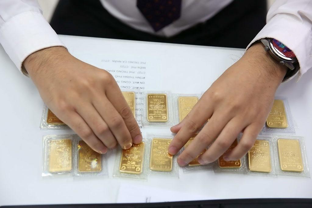 Giá vàng hồi phục, nhà đầu tư 'canh' bán ra