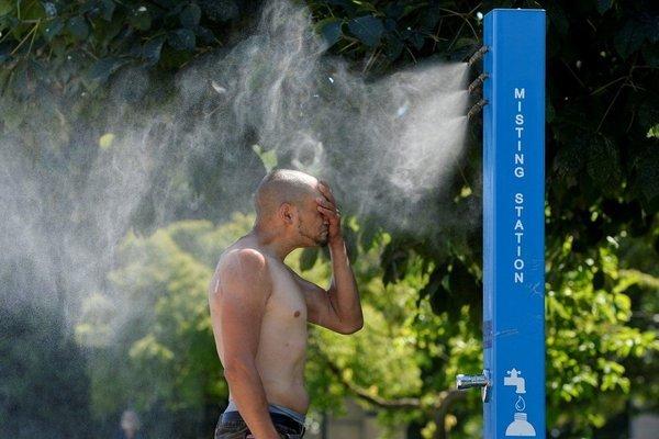 Nắng nóng kỷ lục ở Mỹ và Canada, điều hòa và quạt 'cháy hàng'