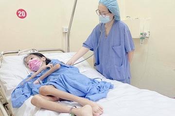 Nữ bệnh nhân 19 tuổi chỉ nặng 18kg do hẹp môn vị, viêm cơ cốt hóa