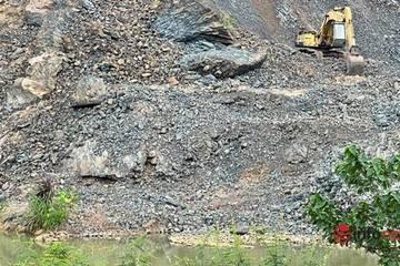 Mỏ đá nổ mìn 'lấp sông' Sêrêpốk sẽ bị đề nghị rút phép một phần