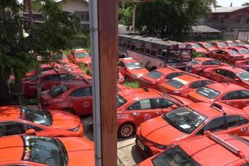 Xót xa hàng ngàn chiếc taxi 'xếp xó' ở bãi phế liệu vì Covid-19 tại Thái Lan