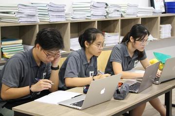 Nhiều suất học bổng giúp học sinh tiếp cận với nền giáo dục tiên tiến
