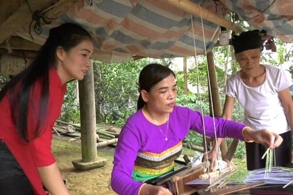 Bảo tồn và phát triển nghề dệt thổ cẩm của người Mường ở Lang Chánh