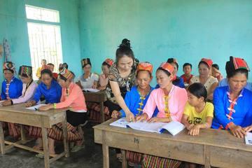 Sau 8 năm triển khai xây dựng xã hội học tập đã xóa mù chữ cho hơn 295.000 người