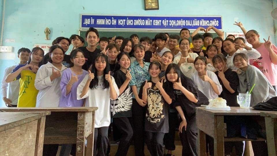 buổi học cuối cấp,giác viên khóc như mưa,học sinh Đồng Tháp,chia tay,họ trò,lưu luyến