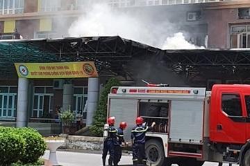 Cháy ở Bệnh viện Nhi Thanh Hóa lúc giữa trưa