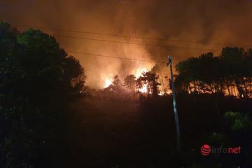 Cháy hơn 170ha rừng thông và rừng sản xuất ở Thừa Thiên – Huế, huy động hàng nghìn người dập lửa