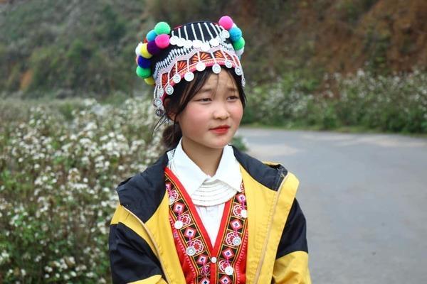 Gìn giữ vẻ đẹp của những bộ trang phục người Mông