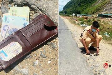 Rơi ví có hơn 12 triệu đồng, người đàn ông may mắn được CSGT phát hiện, tìm trả