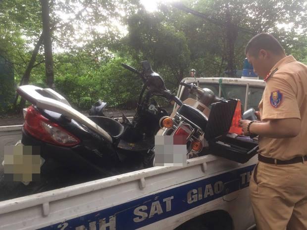 Uống rượu bia vẫn lái ô tô, gây tai nạn liên hoàn rồi bỏ chạy, tài xế bị tạm giữ