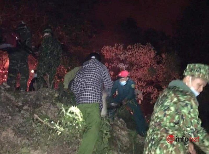Hà Tĩnh: Huy động hàng trăm người dập lửa cứu rừng trong đêm