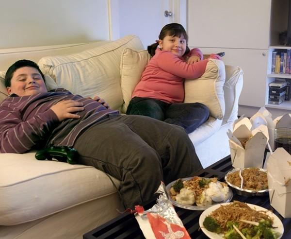 Trẻ tăng cân trong mùa dịch, bác sĩ chỉ cách thổi bay mỡ thừa