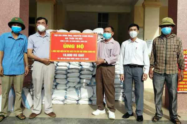 Nghệ An: Một gia đình ủng hộ hơn 10 tấn gạo và 200 triệu phòng, chống dịch Covid-19