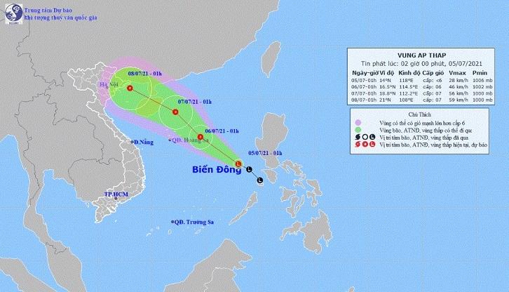 Vùng áp thấp đi vào Biển Đông, Hà Nội mưa dông nhiều ngày