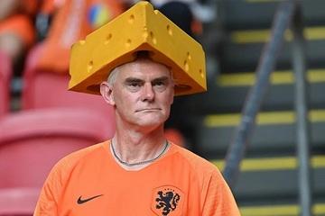 Những cổ động viên cuồng nhiệt mang món ăn gì đến Euro 2020?