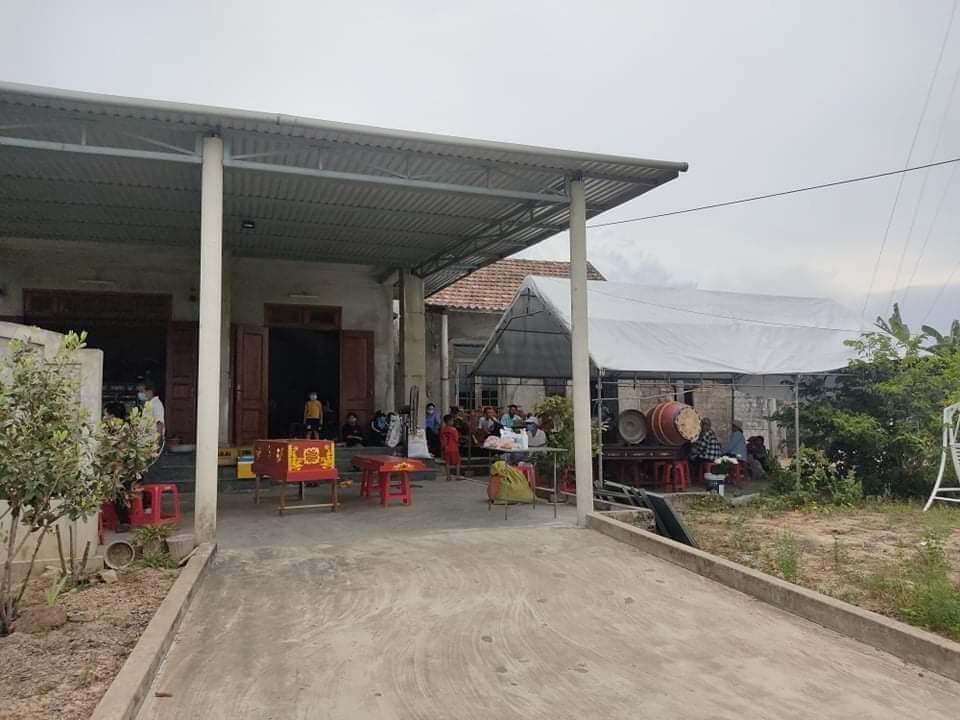 Phát hiện người phụ nữ tử vong bất thường trong vườn nhà, nghi bị sát hại
