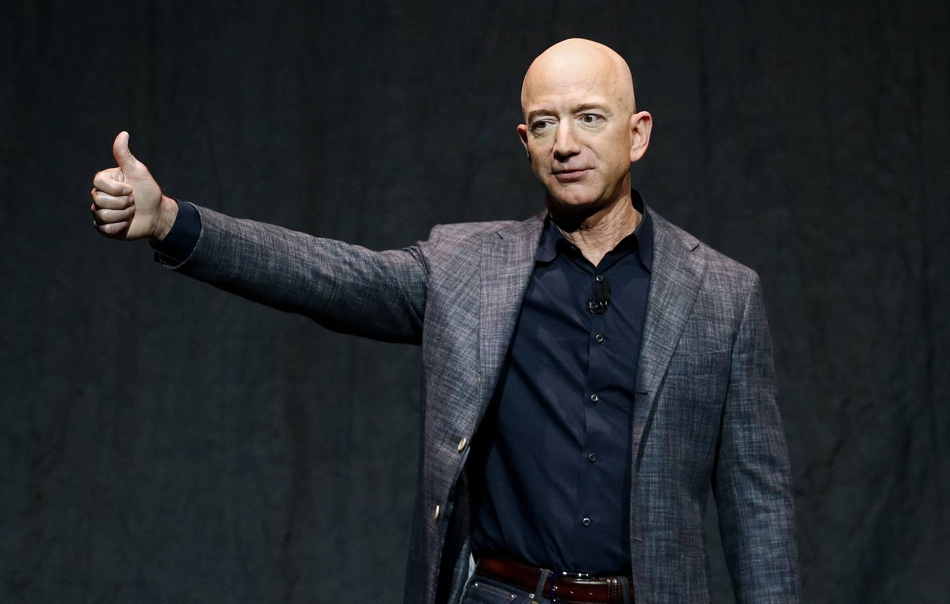 Tài sản của tỷ phú Jeff Bezos đạt mức cao nhất mọi thời đại