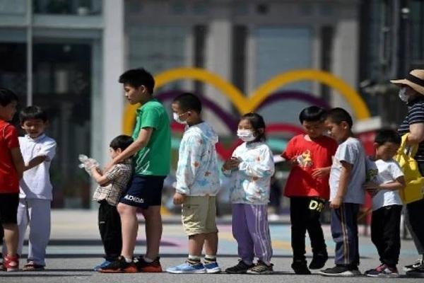 Trung Quốc giảm số tiền phạt với người đàn ông sinh 8 con xuống gần 30 lần