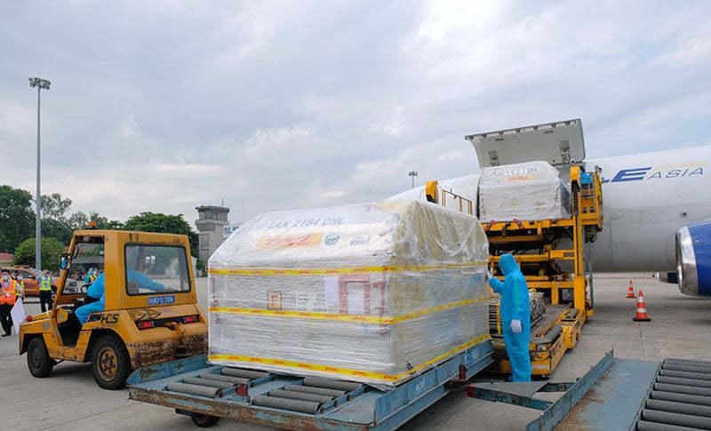 Vắc xin Pfizer vừa về Việt Nam phân bổ tiêm tại 9 bệnh viện