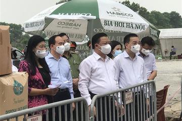 Hà Nội yêu cầu không tụ tập ngoài công sở quá 10 người, chuẩn bị phương án ca mắc lên 5.000 ca