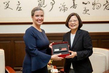 Mỹ sốt sắng hành động với Đài Loan nhưng lạnh nhạt với Trung Quốc