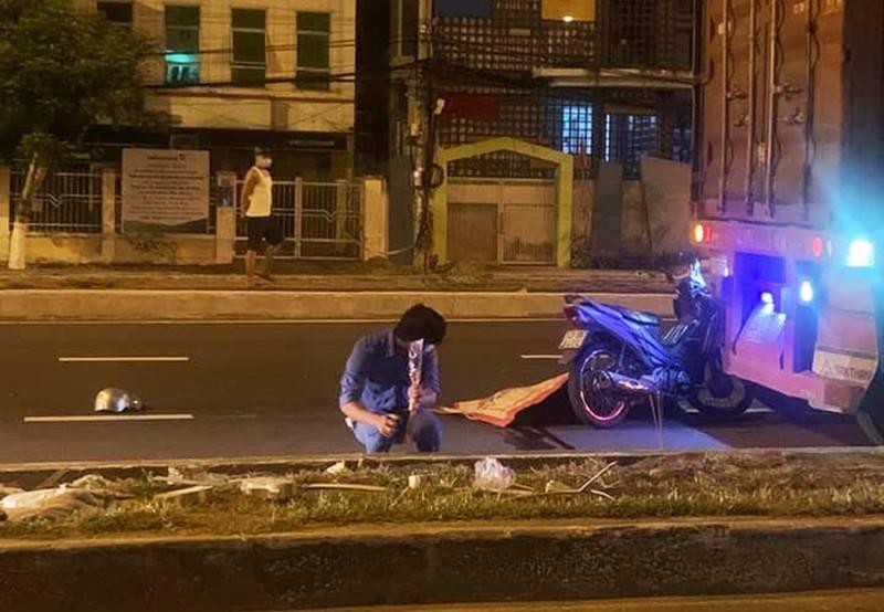 đà nẵng,tử vong,xe đầu kéo,tai nạn,xe máy,xe máy va chạm container