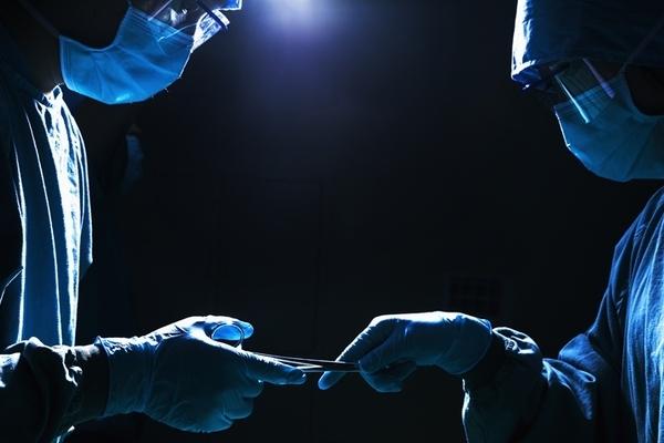 Bác sĩ và y tá Trung Quốc đi tù vì tham gia đường dây ghép tạng phi pháp