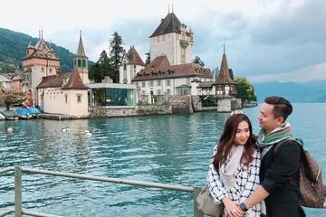 Chuyện tình đẹp như mơ của cô gái Huế và 'ông chú' hơn 14 tuổi cách xa nghìn cây số