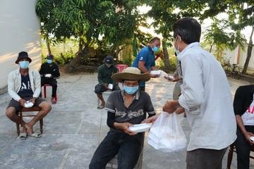 47 người băng rừng tìm đường về quê