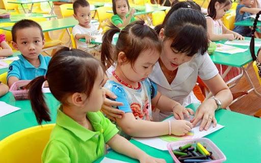Phấn đấu đến năm 2030 phấn đấu có 100% địa phương phổ cập giáo dục cho trẻ em mẫu giáo
