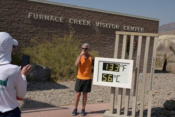 thung lũng chết,nắng nóng,cháy rừng,mất điện