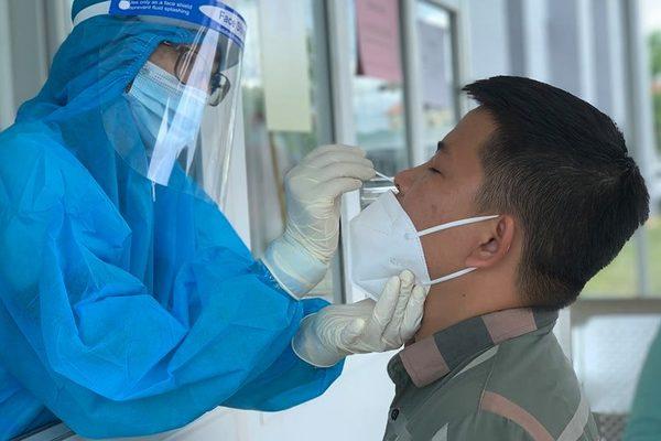 Hà Nội sẽ xét nghiệm sàng lọc cho cả lái xe công nghệ, nhân viên vệ sinh