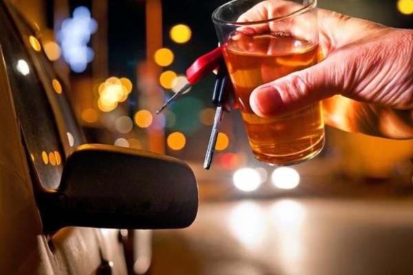 uống rượu,lái xe,khởi tố,miễn trừ ngoại giao