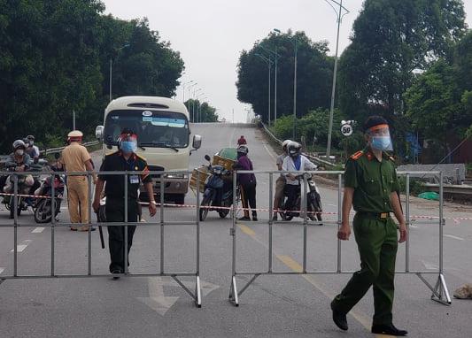 22 chốt kiểm soát, xét nghiệm nhanh Covid-19 người vào Hà Nội