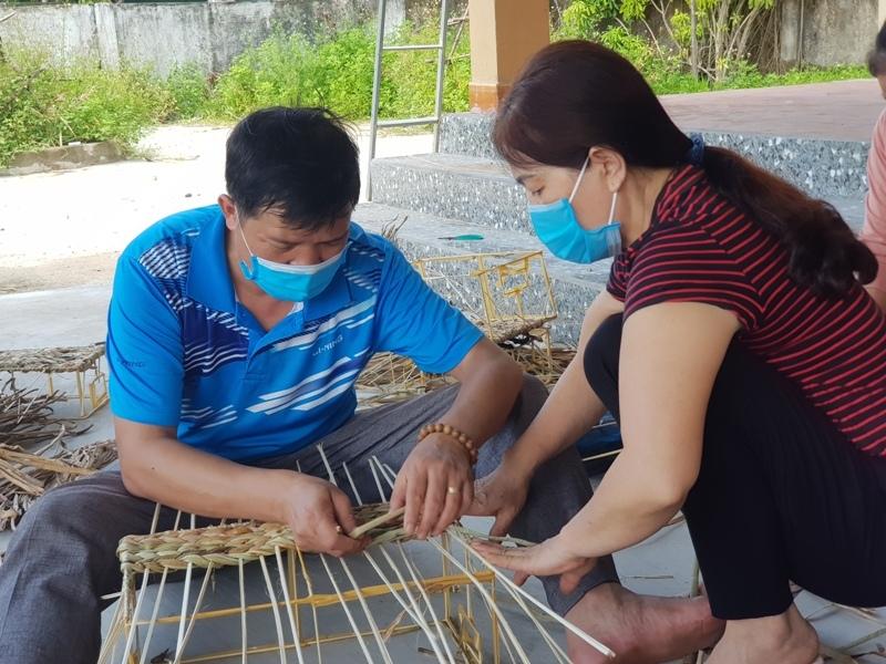 bèo tây,thủ công mỹ nghệ,nghề nông thôn,học nghề,Hà Tĩnh,sinh kế