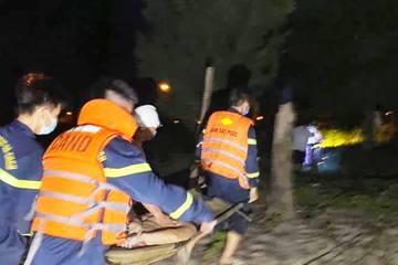 Hai anh em ruột bị sóng biển đánh xa 2km, tử vong thương tâm